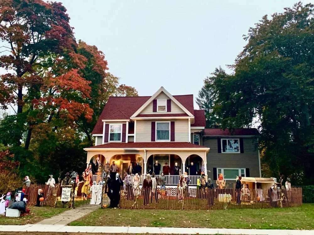 Natick Halloween, 118 Pond Street